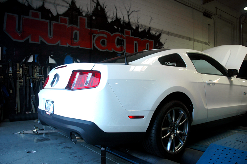 ap-2011mustang-exhaust-rear-dyno