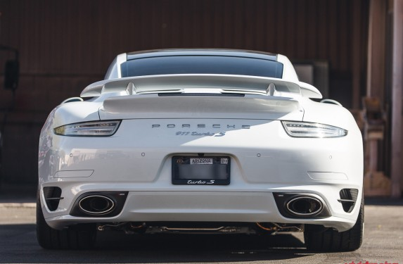 991_Turbo_White_Akrapovic-13