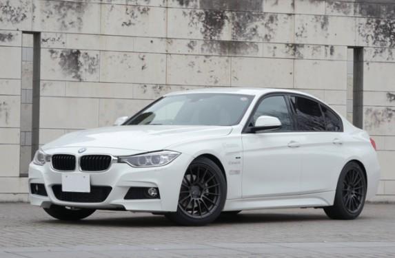 BMW_320i_front