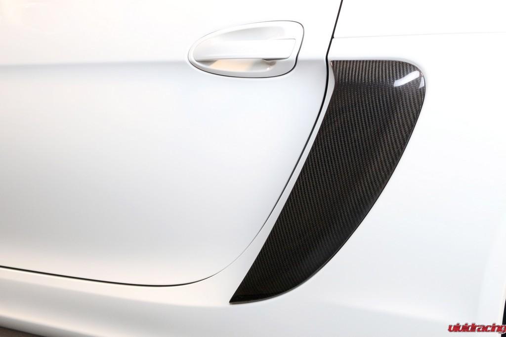 Porsche_GT4_Side-pod_installed_LR_3