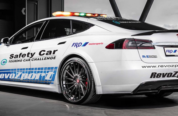 RevoZport R-Zentric P90D Tesla Model S, safety car, e-touring, debut