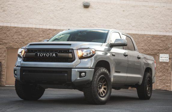 Toyota_Tundra_FuelWheels-3