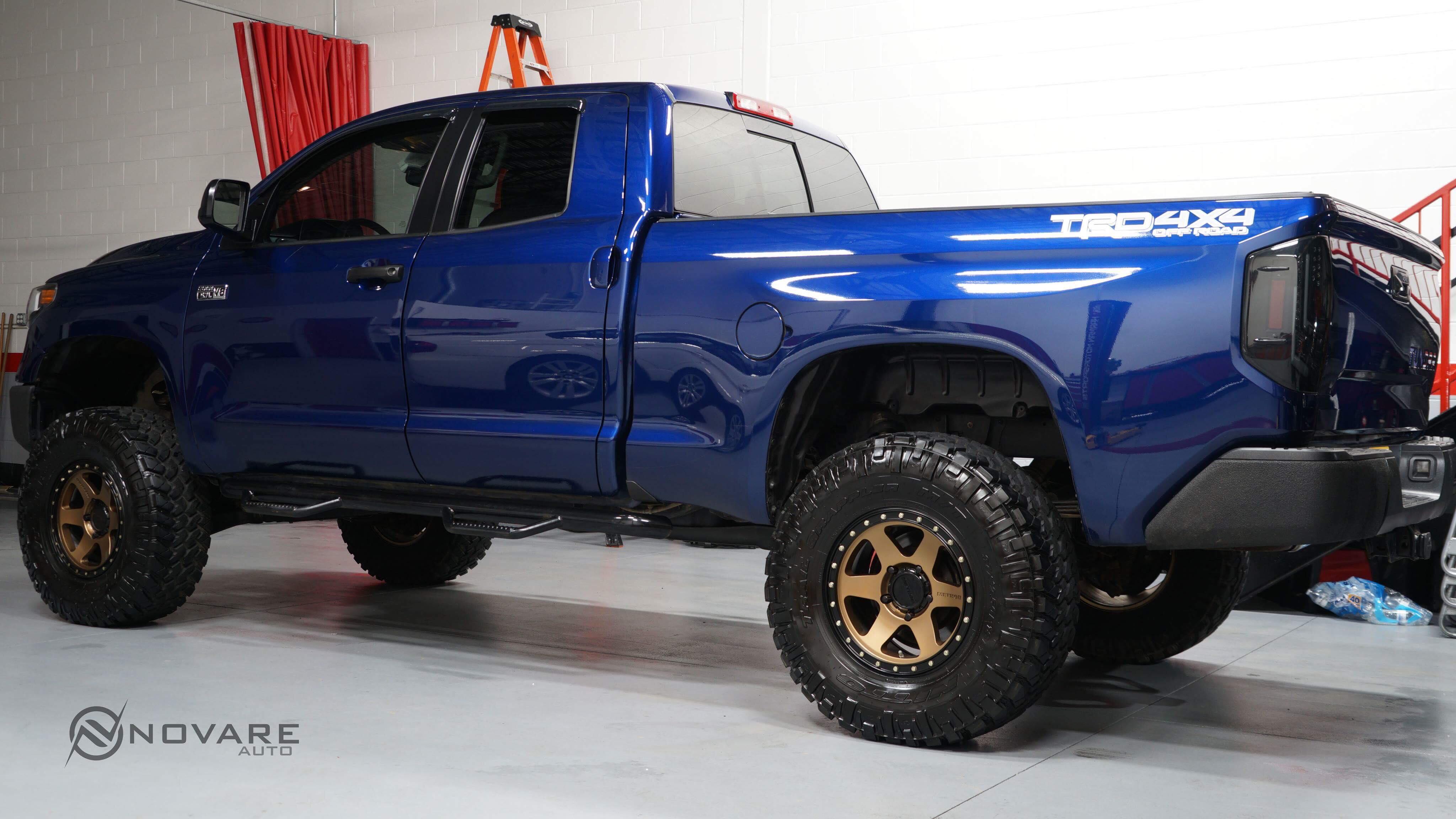 Toyota tundra lifted