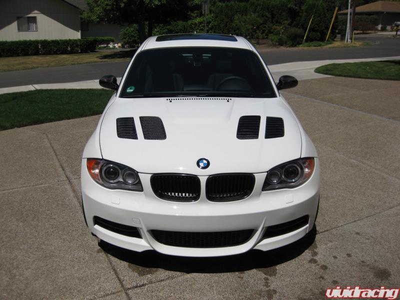 BMW 135i informacion y sus caracterisitas dedicado al modelo