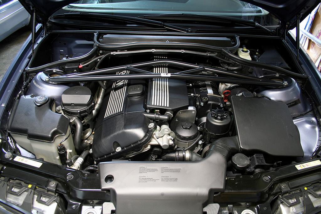 2003 bmw 325i coolant type