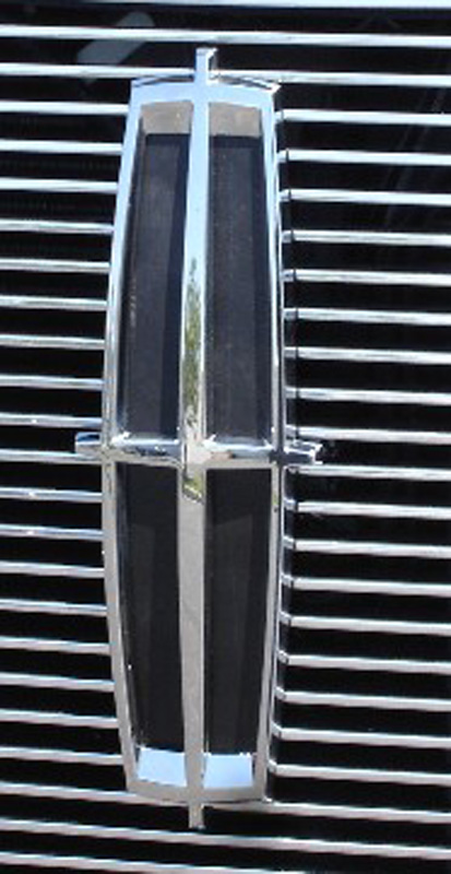 Mark LT Grille Emblem 05-08 Lincoln Mark LT Mild Steel Powdercoat Black T-REX Grilles - 19556