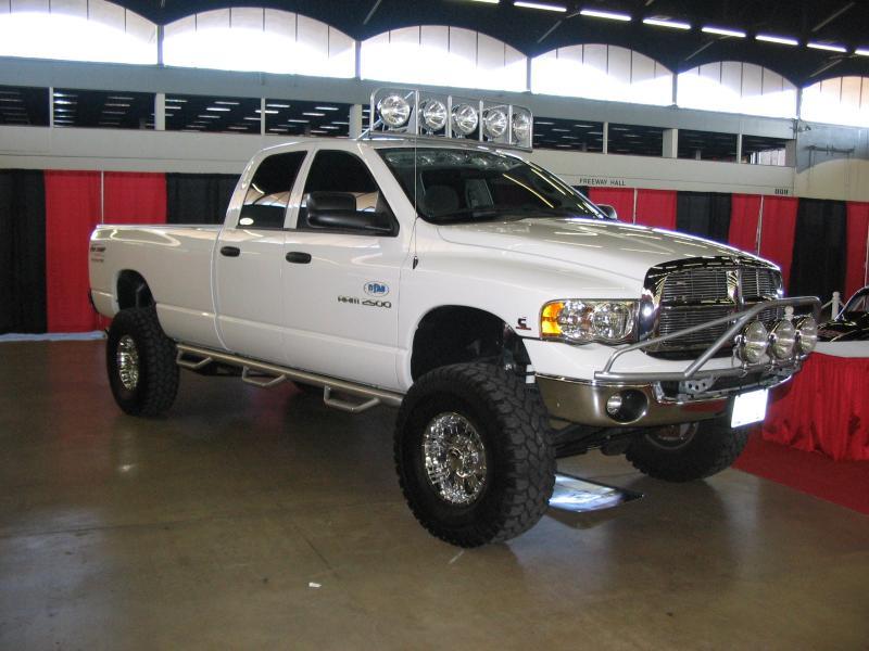 Dodge Ram Runner >> N Fab Textured Black Pre Runner Light Bar Dodge Ram 2500 04 08