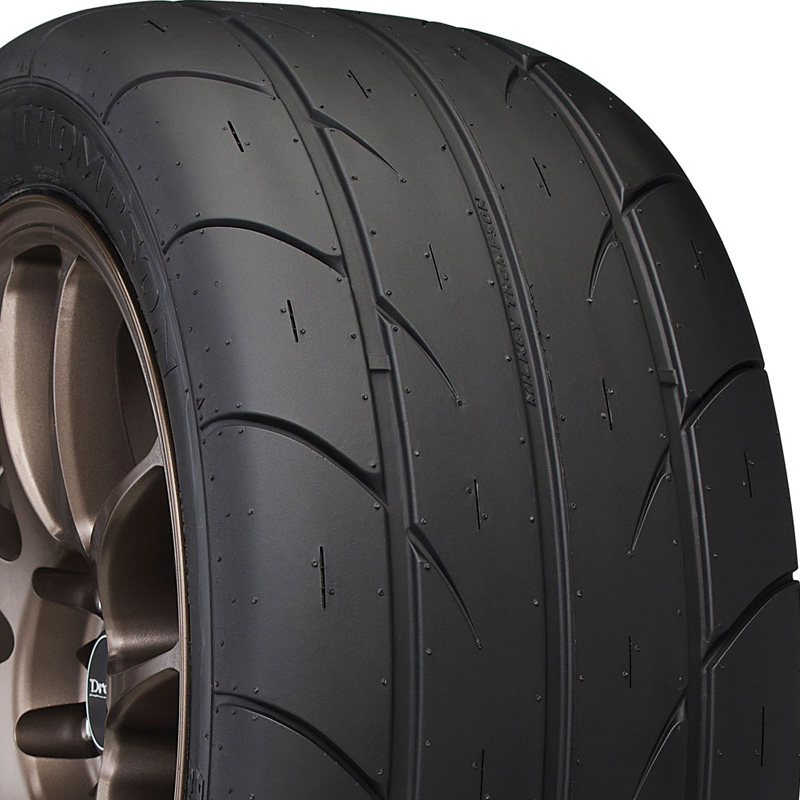 Mickey Thompson ET Street S/S Tire P 305 /40 R18 106 SL - 90000024572