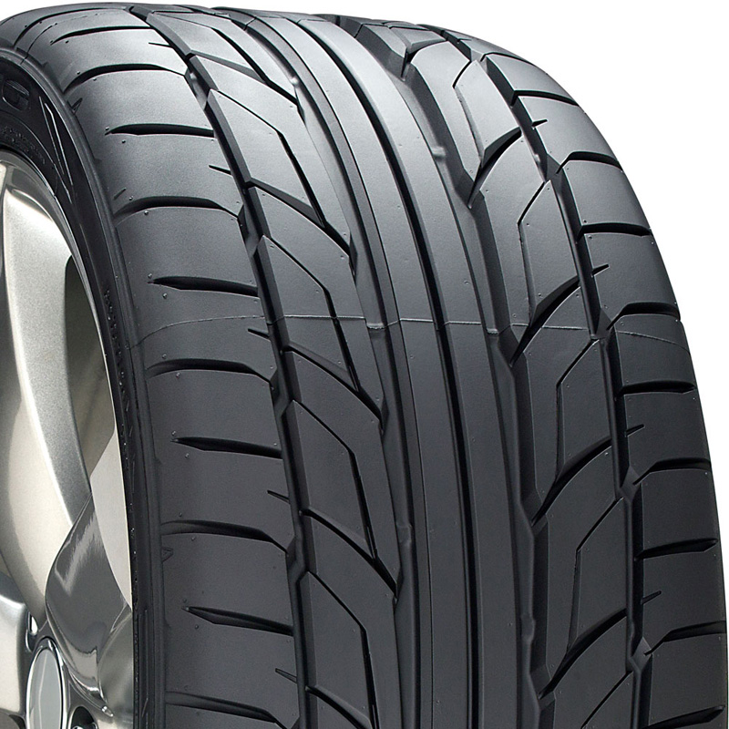 Nitto NT555 G2 Tire 275 /30 R20 97W XL BSW - 211310