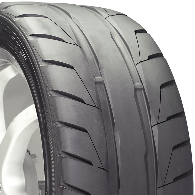 Nitto NT05 Tire 255 /35 R20 97W XL BSW - 207210