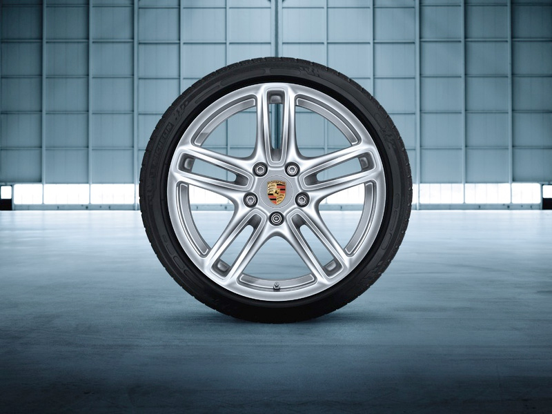 Porsche Tequipment 19 Panamera Turbo Wheels For Vehicles With TPM - 97004460222