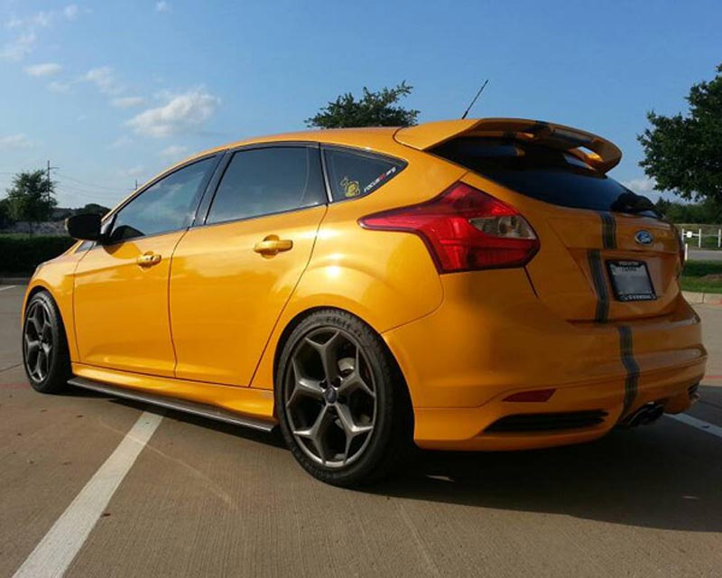 Street Scene Fiberglass Side Skirts Ford Focus St 2 0l