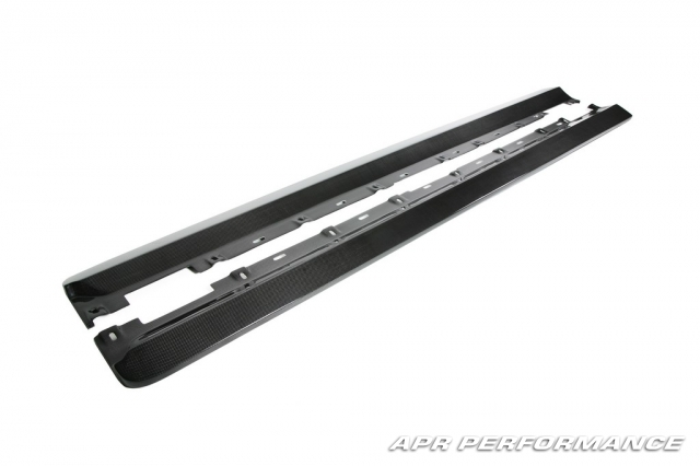 APR Side Skirts Rocker Extensions Ford Mustang 05-09 - FS-204018