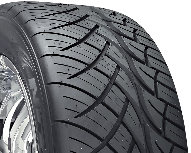 Nitto NT 420S Tires 255/50/18 106V Blk - DT-40499