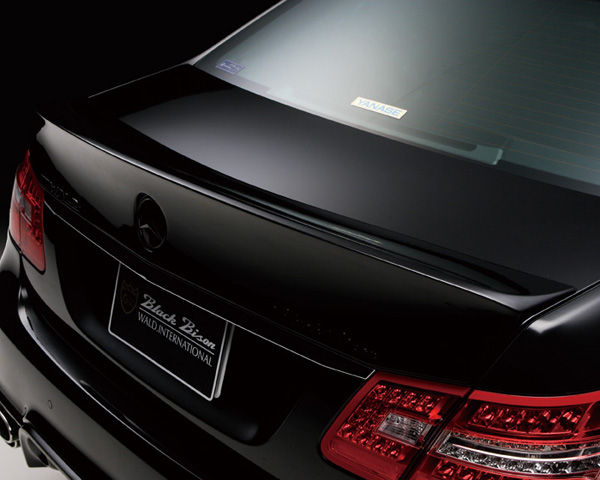 Wald International Black Bison Trunk Wing Mercedes-Benz E-Class 10-12
